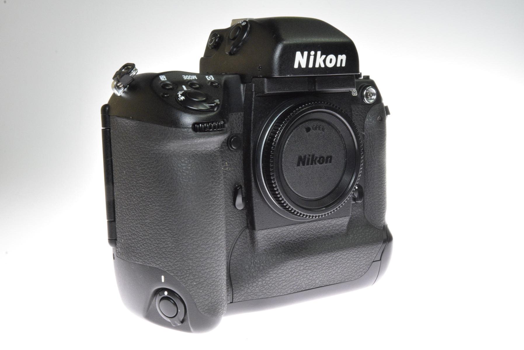 Used Nikon F5 35mm SLR Camera Body (Commission Sale)