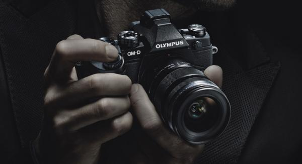 New Flagship Pro Olympus OM-D E-M1 Launched - Revolutionary!