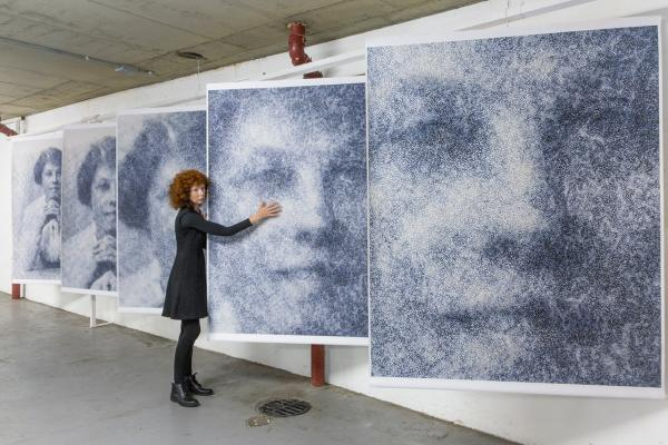 An innovative exhibition based on Victorian photos
